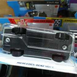 Hot-Wheels-Mainline-2021-Mercedes-Benz-500E-006