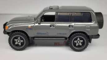 Hot-Wheels-Mainline-2021-Toyota-Land-Cruiser-80-002