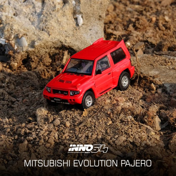 Inno64-Mitsubishi-Pajero-Evolution-red-002