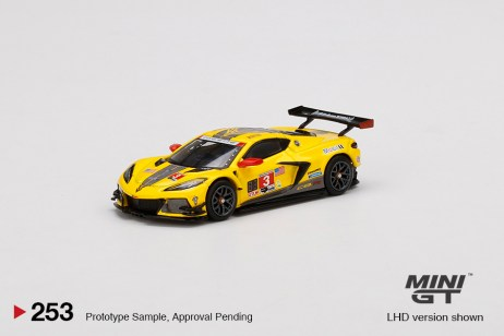 Mini-GT-Chevrolet-Corvette-C8R-3-2020-IMSA-24-Hrs-Daytona-001