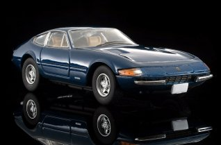 Tomica-Limited-Vintage-Ferrari-365-GT-B4-004