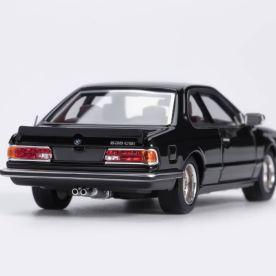 YM-Model-BMW-635-CSi-Noire-003