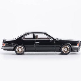 YM-Model-BMW-635-CSi-Noire-004