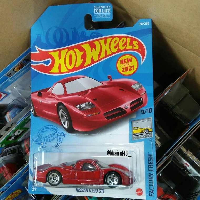 Hot-Wheels-Mainline-2021-Nissan-R390-GT1-001