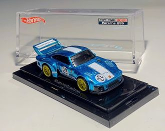 Hot-Wheels-Porsche-935-New-York-Toy-Fair-2022-003