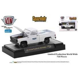 M2-Machines-Squarebody-Syndicate-Series-2-1973-Chevrolet-Custom-10-Chase