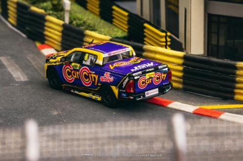 Tarmac-Works-Toyota-Hilux-Ben-Walsh-Racing-002