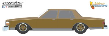 GreenLight-Collectibles-California-Lowriders-Series-1-1985-Chevrolet-Caprice-Lowrider-Custom-Gold