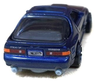 Hot-Wheels-Mainline-2021-89-Mazda-Savanna-RX-7-FC3S-004