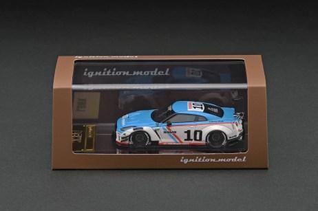 Ignition-Model-Resin-LB-Works-Nissan-GT-R-R35-type-2-White-Blue-003