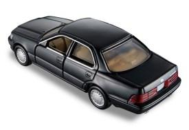 Tomica-Premium-Toyota-Celsior-003