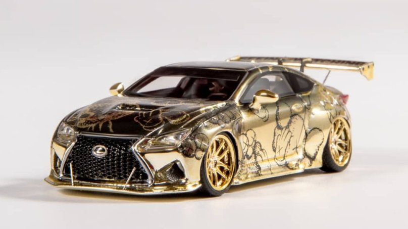 YM-Model-Gold-Lexus-RCF-Pandem-002