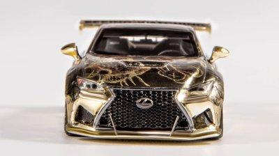 YM-Model-Gold-Lexus-RCF-Pandem-003