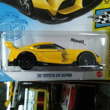 Hot-Wheels-Mainline-2021-20-Toyota-GR-Supra-Pandem-002