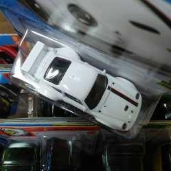 Hot-Wheels-Mainline-2021-Porsche-993-GT2-005