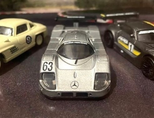 Hot-Wheels-Mercedes-Benz-Diorama-Set-007