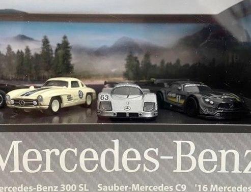 Hot-Wheels-Mercedes-Benz-Diorama-Set-008