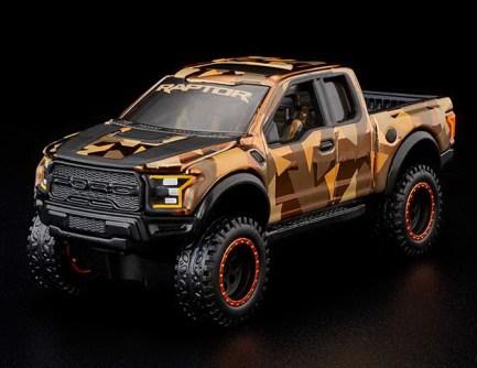 Hot-Wheels-Red-Line-Club-2021-Ford-F-150-Raptor-Camo-001