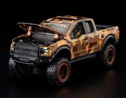 Hot-Wheels-Red-Line-Club-2021-Ford-F-150-Raptor-Camo-003