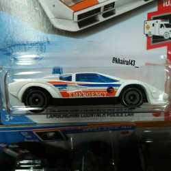 Hot-Wheels-Treasure-Hunt-2021-Lamborghini-Countach-Police-Car-002