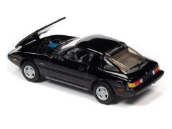 Johnny-Lightning-Mazda-RX-7-Fb-Brilliant-Black-002