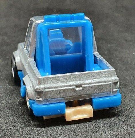 Hot-Wheels-83-Tooned-Chevy-Silverado-003