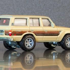 Hot-Wheels-Car-Culture-Toyota-Toyota-Landcruiser-FJ60-006