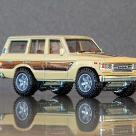 Hot-Wheels-Car-Culture-Toyota-Toyota-Landcruiser-FJ60-007