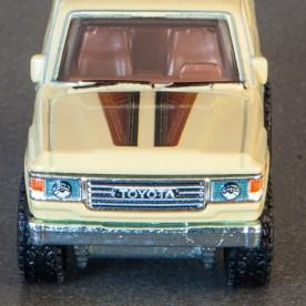 Hot-Wheels-Car-Culture-Toyota-Toyota-Landcruiser-FJ60-012