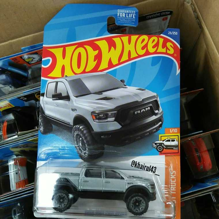 Hot-Wheels-Mainline-2022-2020-Ram-1500-Rebel-001