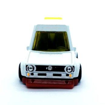 Hot-Wheels-Mainline-2022-Tooned-Volkswagen-Golf-Mk1-002