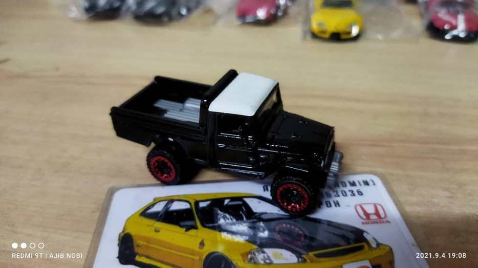 Hot-Wheels-Mainline-Toyota-Land-Cruiser-FJ45-Pickup-003