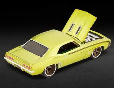 Hot-Wheels-Red-Line-Club-2021-69-Chevrolet-Camaro-SS-006