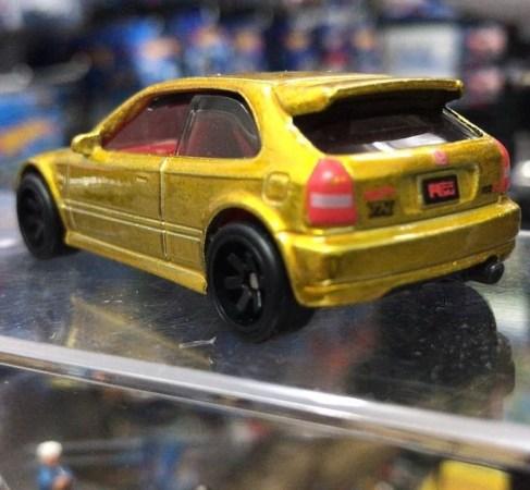Hot-Wheels-Super-Treasure-Hunt-2022-99-Honda-Civic-Type-R-EK9-003