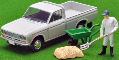 Tomica-Limited-Vintage-Neo-Datsun-Truck-1300-Deluxe-White-006