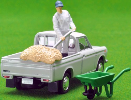 Tomica-Limited-Vintage-Neo-Datsun-Truck-1300-Deluxe-White-007