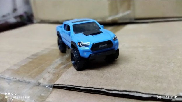 Hot-Wheels-2022-2020-Toyota-Tacoma-004