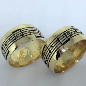 Par de Alianças Notas Musicais 10mm Ouro 18k