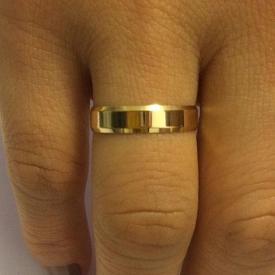 Par de Alianças de Casamento Facetada Polida Ouro 18k