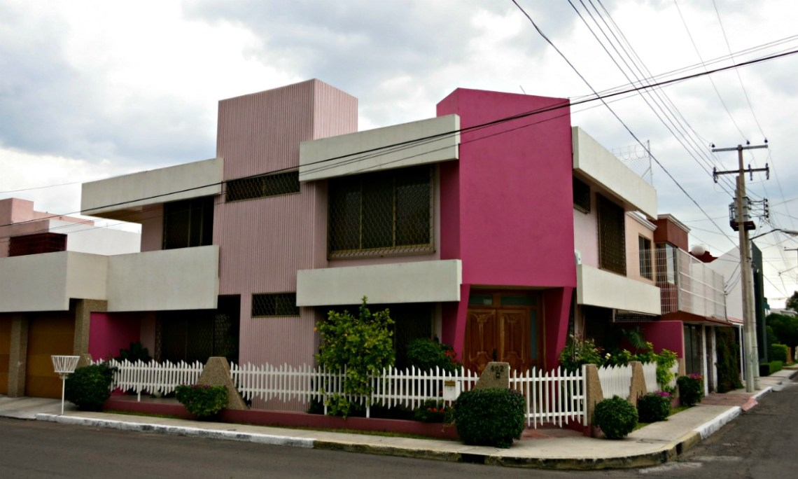 Adobe Greek Home - Queretaro-architecture-pink-modern-home_Top Adobe Greek Home - Queretaro-architecture-pink-modern-home  Snapshot_93737.jpg