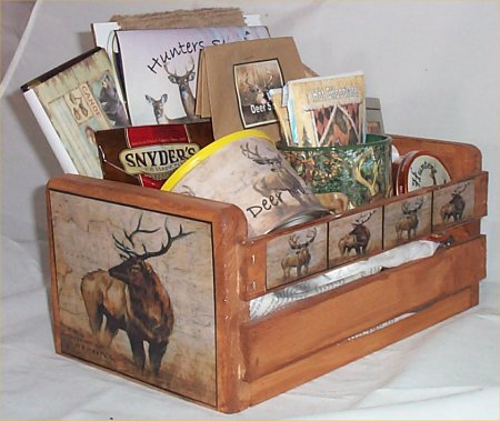 Deer Lodge Hunters Gift Basket Cabin Wood Crate Gift Mug