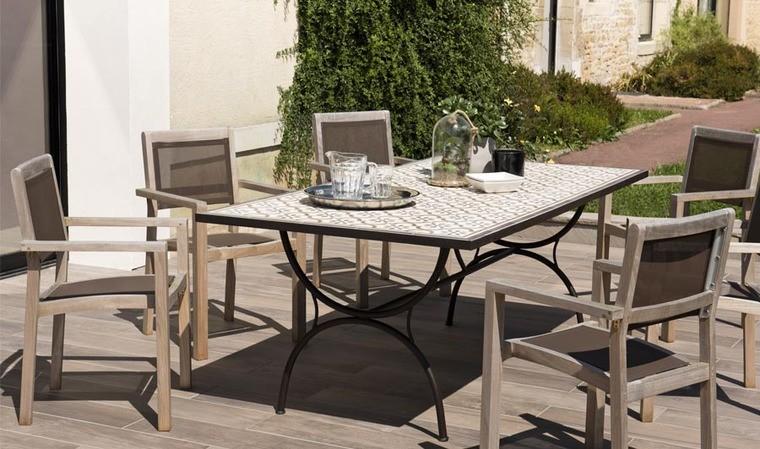 table jardin design metal et carreaux de ciment tanger