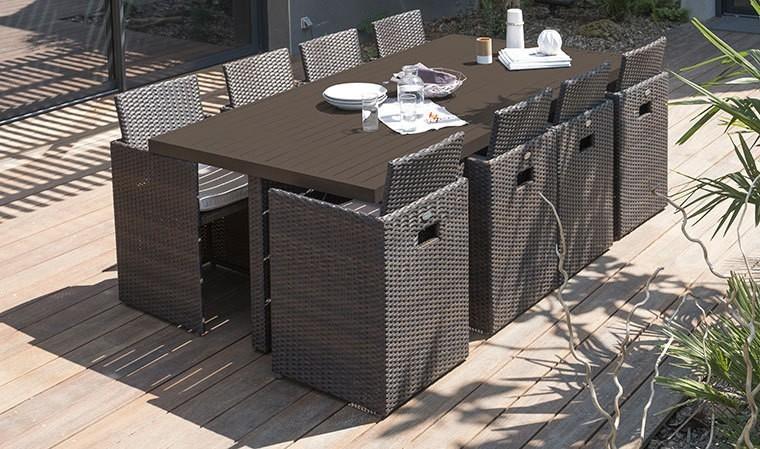 Salon de jardin encastrable en rsine tresse chocolat 8 fauteuils