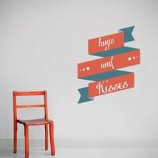 Αγκαλιές Φιλιά Φράσεις Αυτοκόλλητα τοίχου 63 x 50 cm