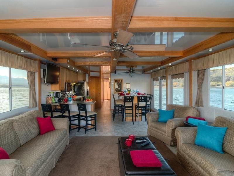 70foot Silver Millennium Houseboat