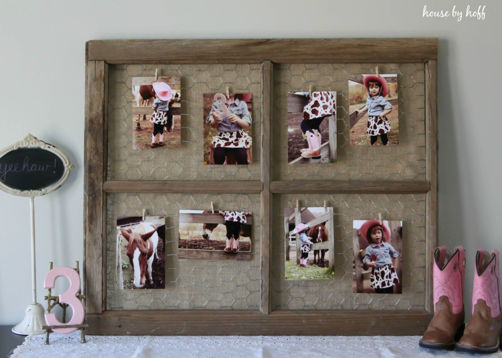 How to Make a Photo Display From an Old Window
