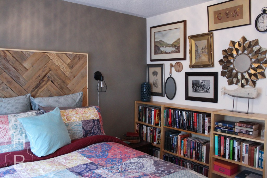 Vintage Gallery Wall and DIY Pallet Wood Headboard | $100 Guest Room Makeover | House by the Bay Design