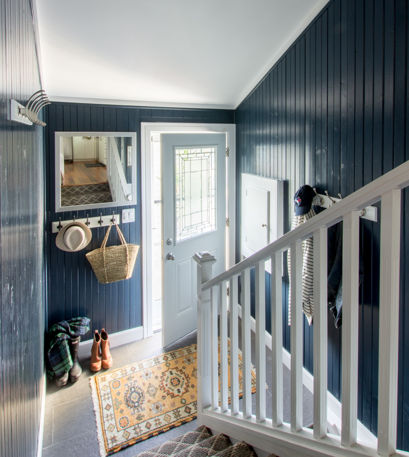 Split level mudroom storage