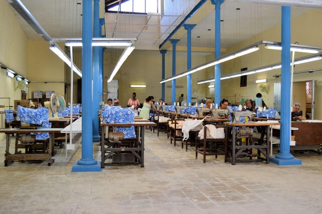 海外の縫製工場