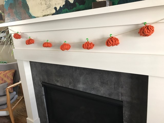 yarn pumpkin garland